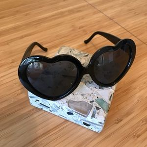 Accessories - Festival 🌞 Heart Shaped Sunnies
